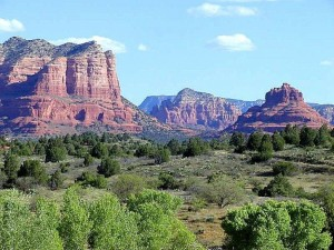 sedona-mountains_w725_h5442-300x225
